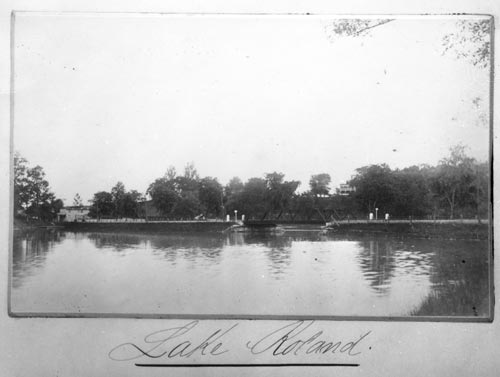 Photo of Lake Roland with the Northern Central Railway bridge across it.